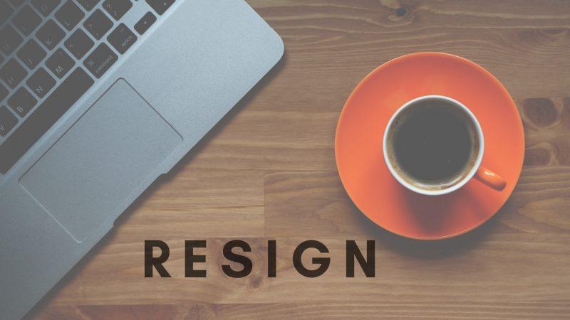 resign, mengundurkan diri